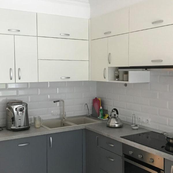 Full Room світла кухня