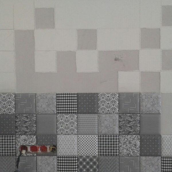 full room монтаж плитки на кухні