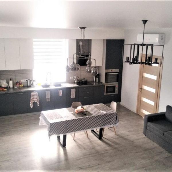 Full Room реалізація дизайну кухні-вітальні