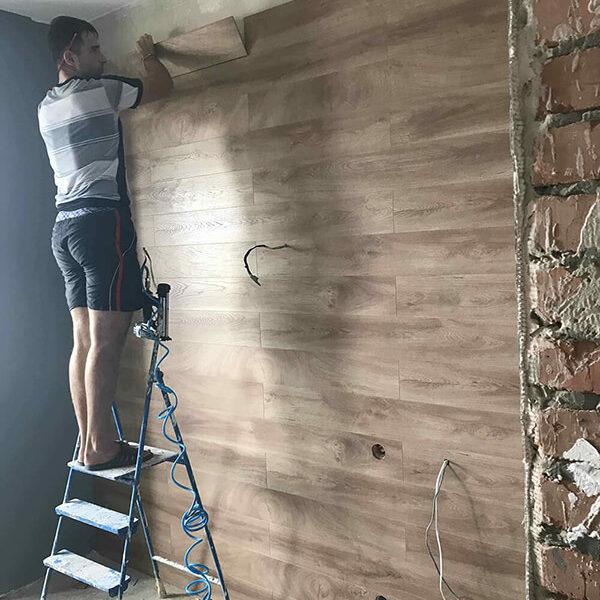 Full Room монтаж ламіната на стіну