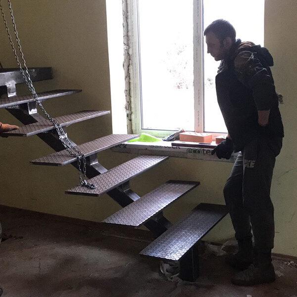 Full Room монтаж лестницы